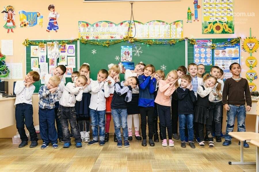 Как Фонд Бориса Колесникова и ХК «Донбасс» поздравили 62 000 детей Донетчины с Днем Николая: яркие ФОТО, фото-14
