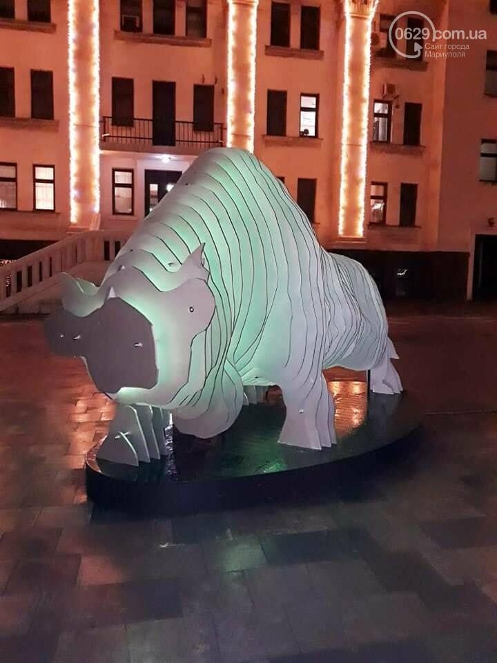 В Мариуполе вандалы изуродовали символы Нового года, - ФОТО, фото-4