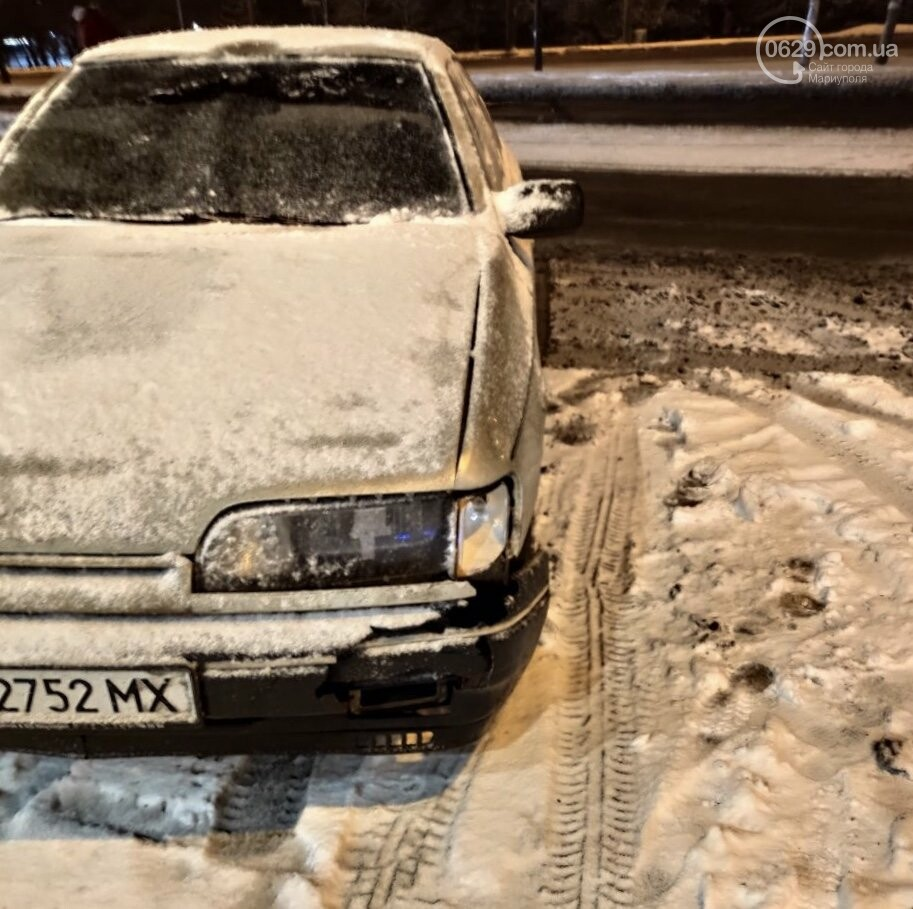 В Мариуполе на заснеженной дороге сбили женщину, - ФОТО, фото-1