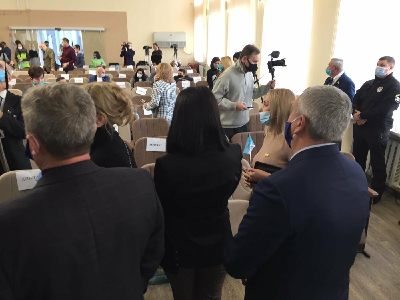 Драка в сессионном зале Мариуполя. Бойченко призвал правоохранителей и объявил перерыв, - СТРИМ, ФОТО, фото-3