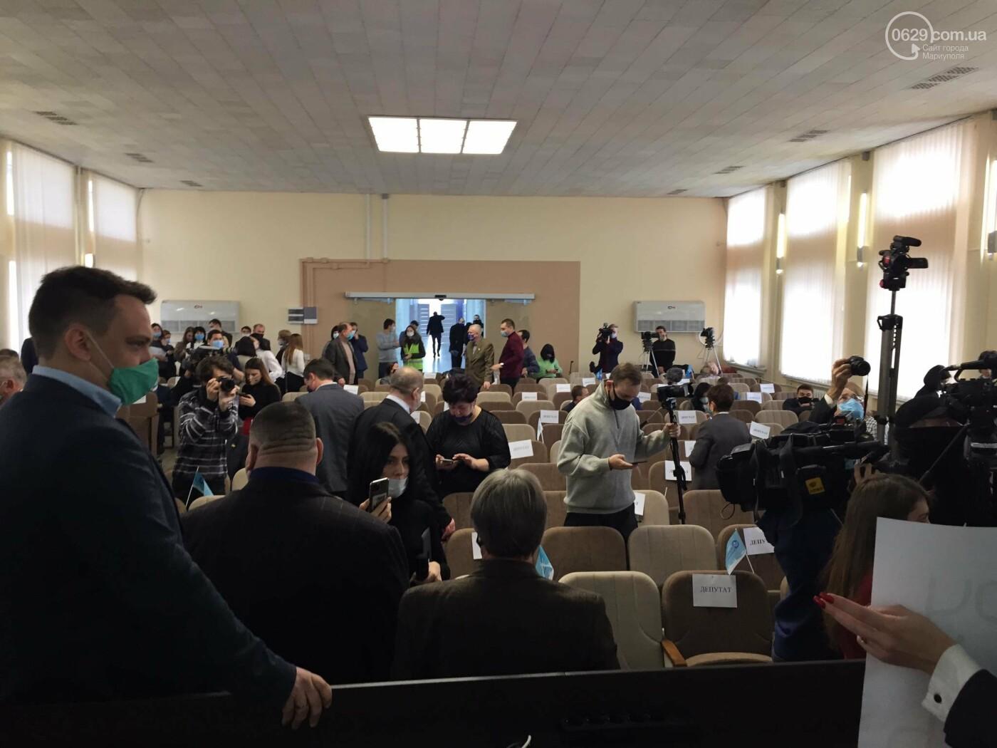 Драка в сессионном зале Мариуполя. Бойченко призвал правоохранителей и объявил перерыв, - СТРИМ, ФОТО, фото-8