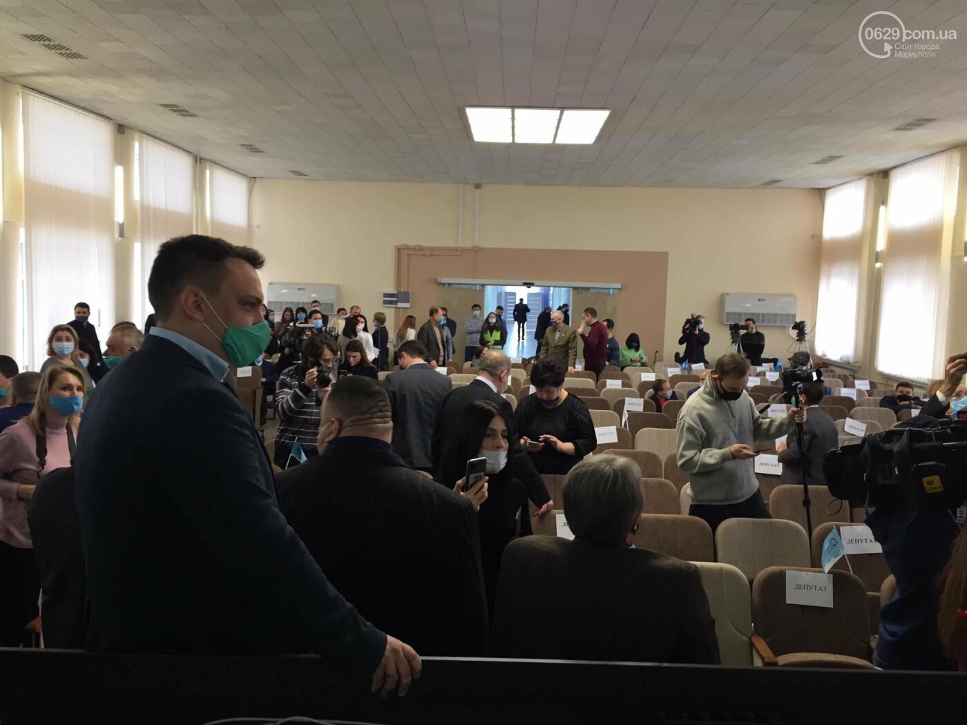 Драка в сессионном зале Мариуполя. Бойченко призвал правоохранителей и объявил перерыв, - СТРИМ, ФОТО, фото-12