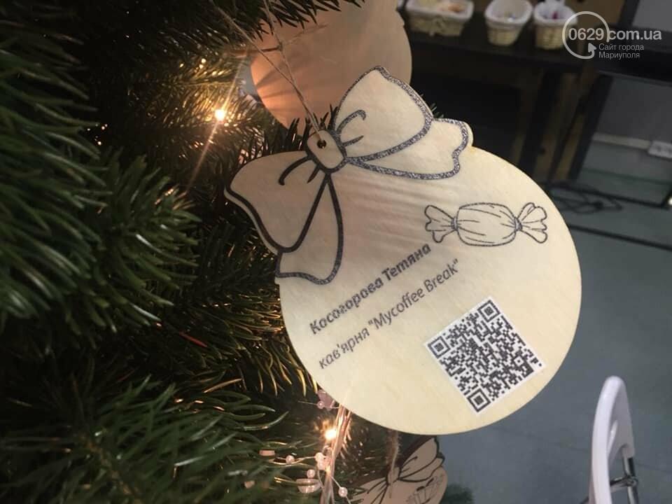 В Мариуполе начали продавать товары прямо с  новогодней елки,- ФОТО, фото-3