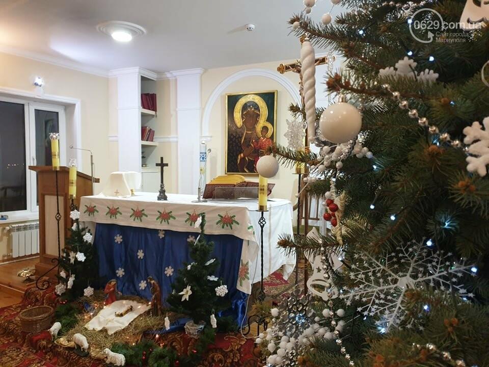 Мариупольские католики  празднуют Сочельник - ночь перед Рождеством, - ФОТО, фото-1