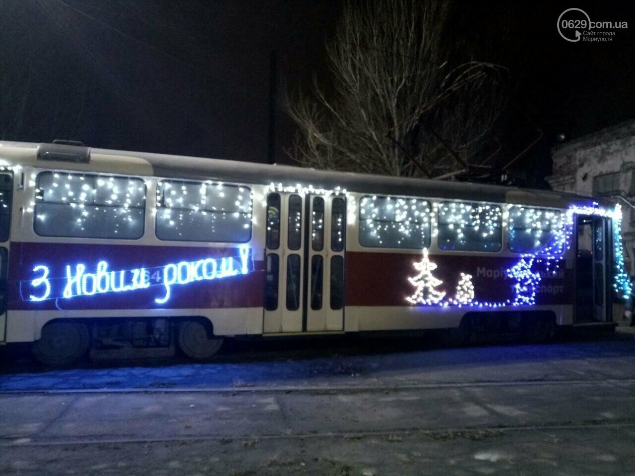 Трамвай желаний. В Мариуполе курсируют уникальные вагоны, - ФОТО, ВИДЕО, фото-16