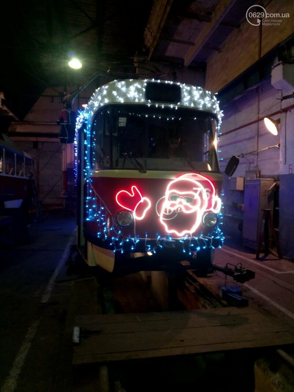 Трамвай желаний. В Мариуполе курсируют уникальные вагоны, - ФОТО, ВИДЕО, фото-15