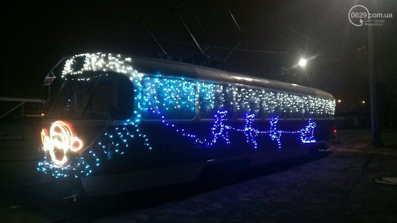 Трамвай желаний. В Мариуполе курсируют уникальные вагоны, - ФОТО, ВИДЕО, фото-14