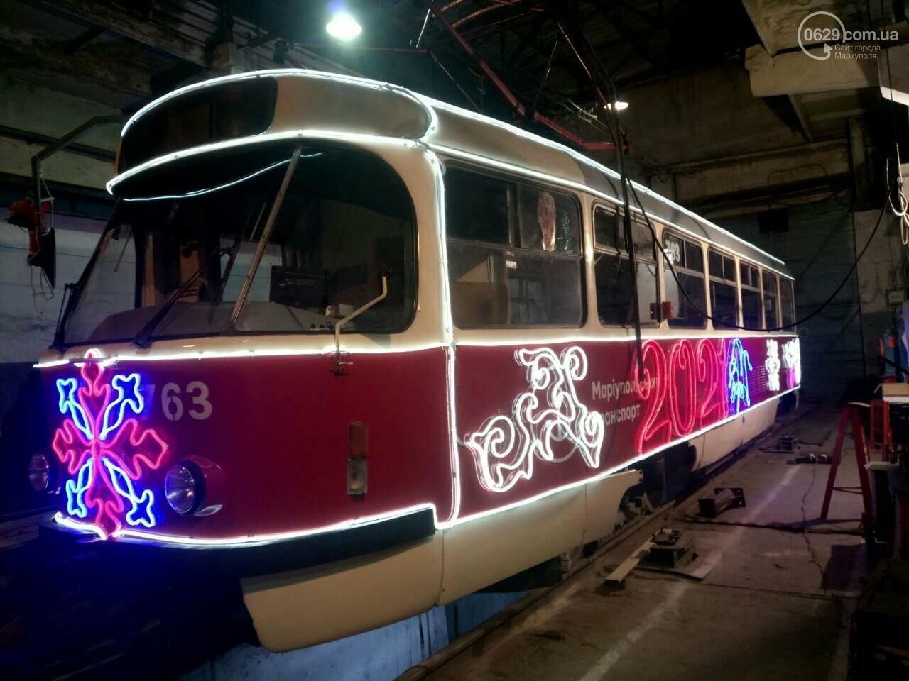 Трамвай желаний. В Мариуполе курсируют уникальные вагоны, - ФОТО, ВИДЕО, фото-18