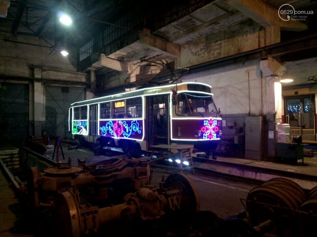 Трамвай желаний. В Мариуполе курсируют уникальные вагоны, - ФОТО, ВИДЕО, фото-19