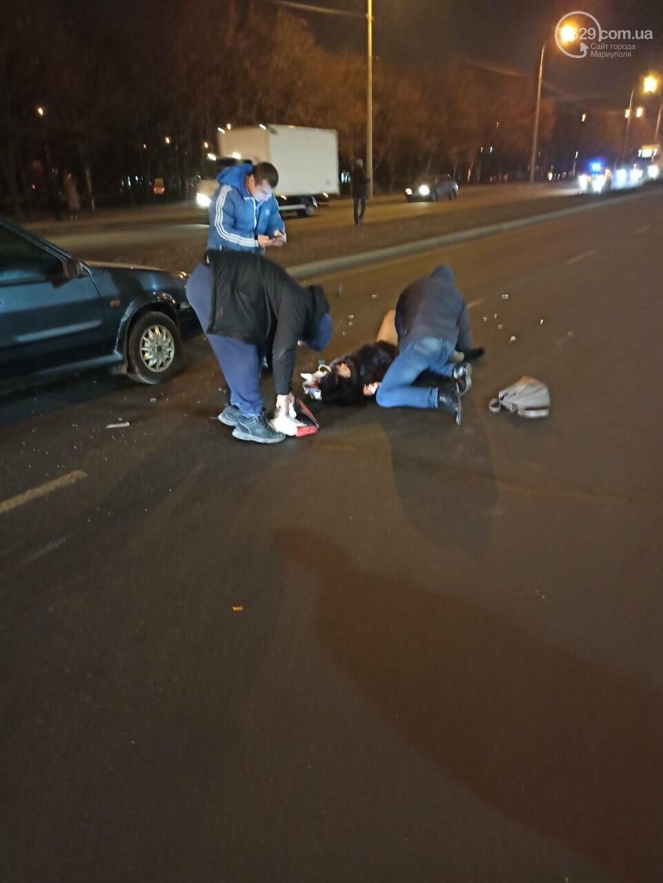 """В Мариуполе на пешеходном переходе """"ВАЗ"""" сбил женщину, - ФОТО, фото-2"""