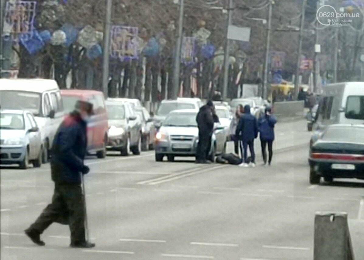 В центре Мариуполя на проспекте Мира сбили мужчину, - ФОТО, ВИДЕО, фото-4