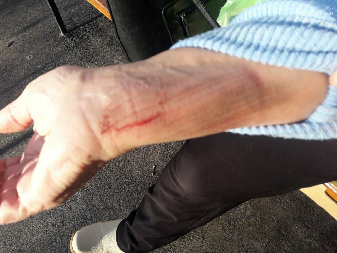 В Мариуполе пенсионерка кормила голубей и попала под колеса авто, - ФОТО, ВИДЕО, фото-3