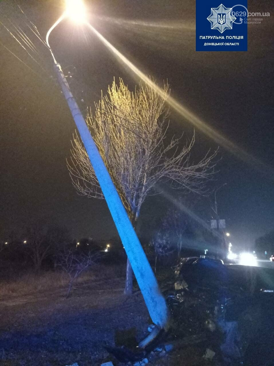 Мариуполец на авто врезался в столб, фото-2