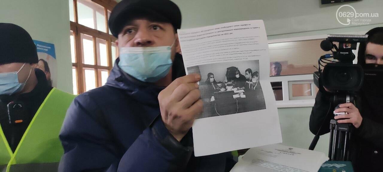 Тарифный митинг. Активистов не пустили на сессию Мариупольского горсовета, - ФОТОРЕПОРТАЖ, ВИДЕО, фото-6