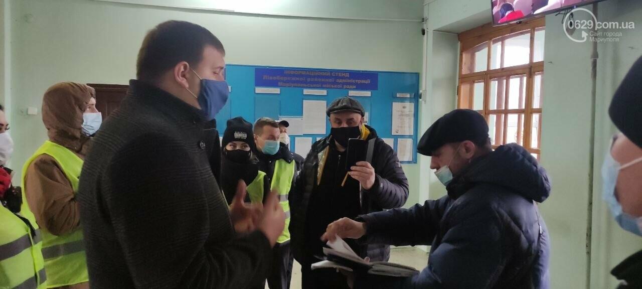 Тарифный митинг. Активистов не пустили на сессию Мариупольского горсовета, - ФОТОРЕПОРТАЖ, ВИДЕО, фото-12