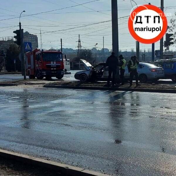 В Мариуполе загорелось авто, - ФОТО, фото-2