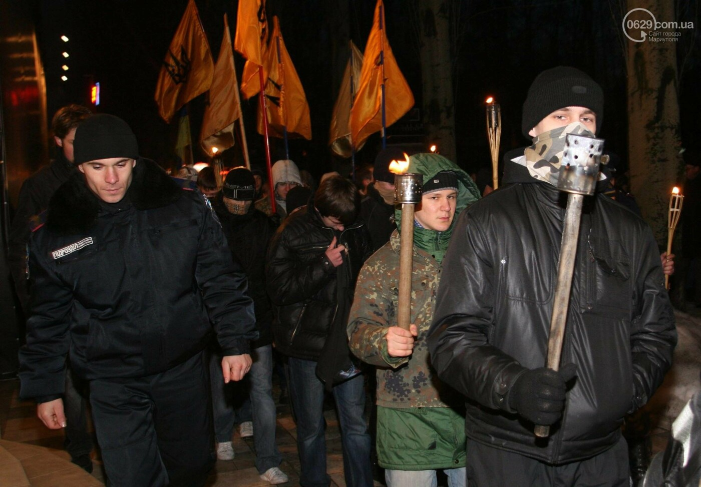 """Драки и сожжённые флаги. Как боролись с """"Донецкой республикой"""" 12 лет назад,  - ФОТО, фото-1"""