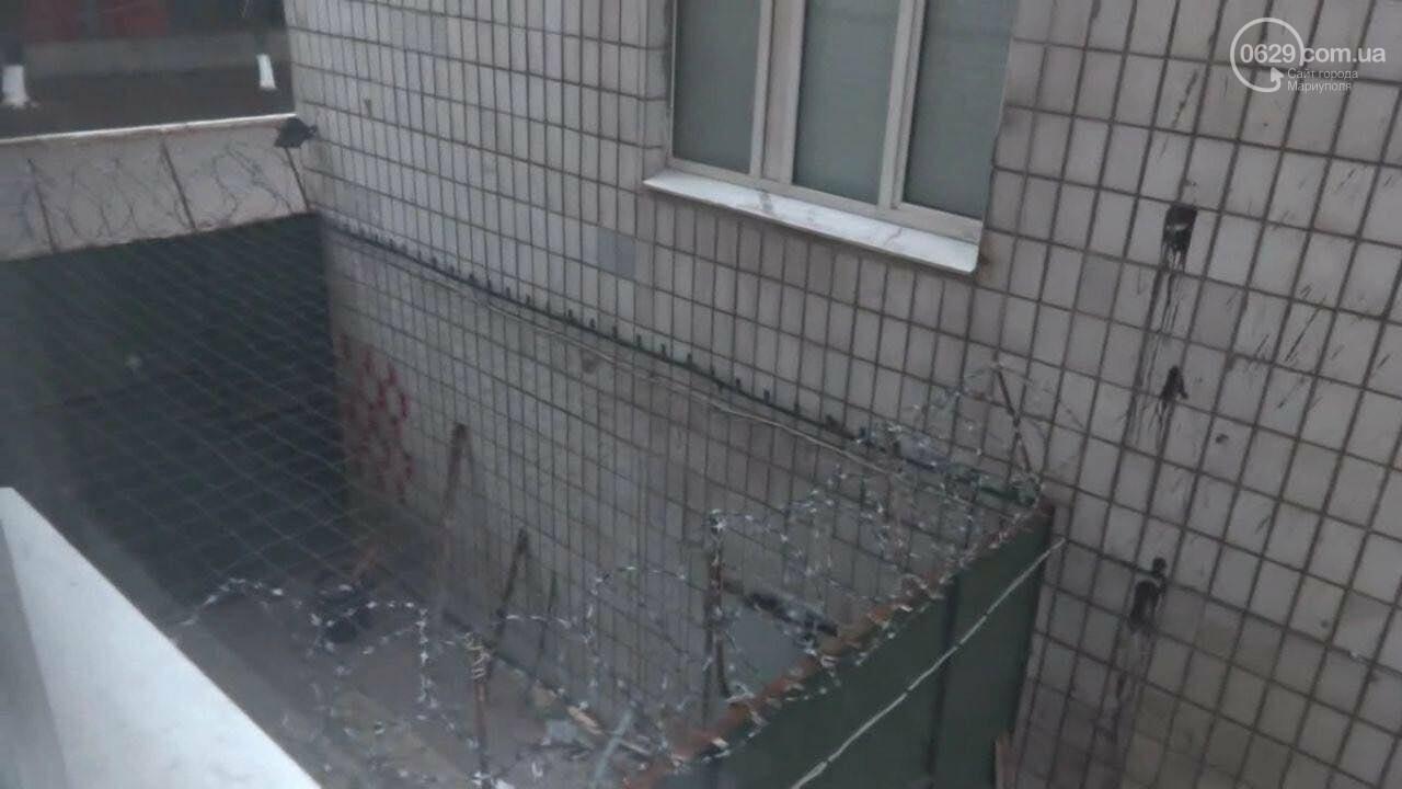 В соцсети появились фото концлагеря в Донецке. Прокуратура объявила подозрение одному из палачей, - ФОТО, фото-11