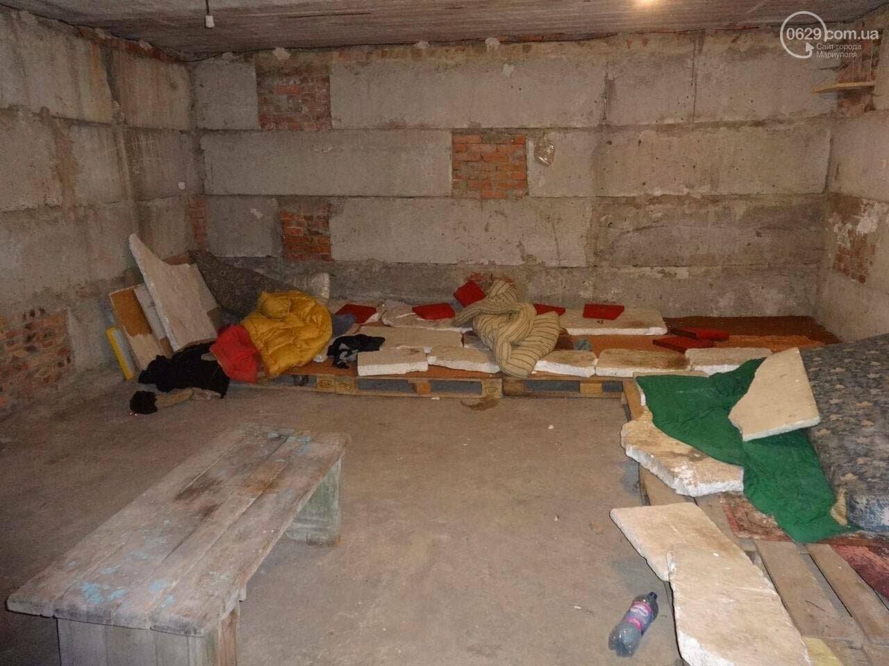 В соцсети появились фото концлагеря в Донецке. Прокуратура объявила подозрение одному из палачей, - ФОТО, фото-8