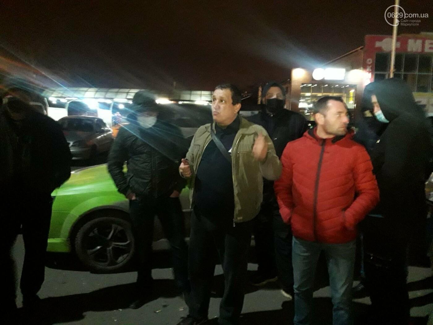 Нужно повысить тариф! В Мариуполе ночью митингуют таксисты, - ФОТО, фото-4
