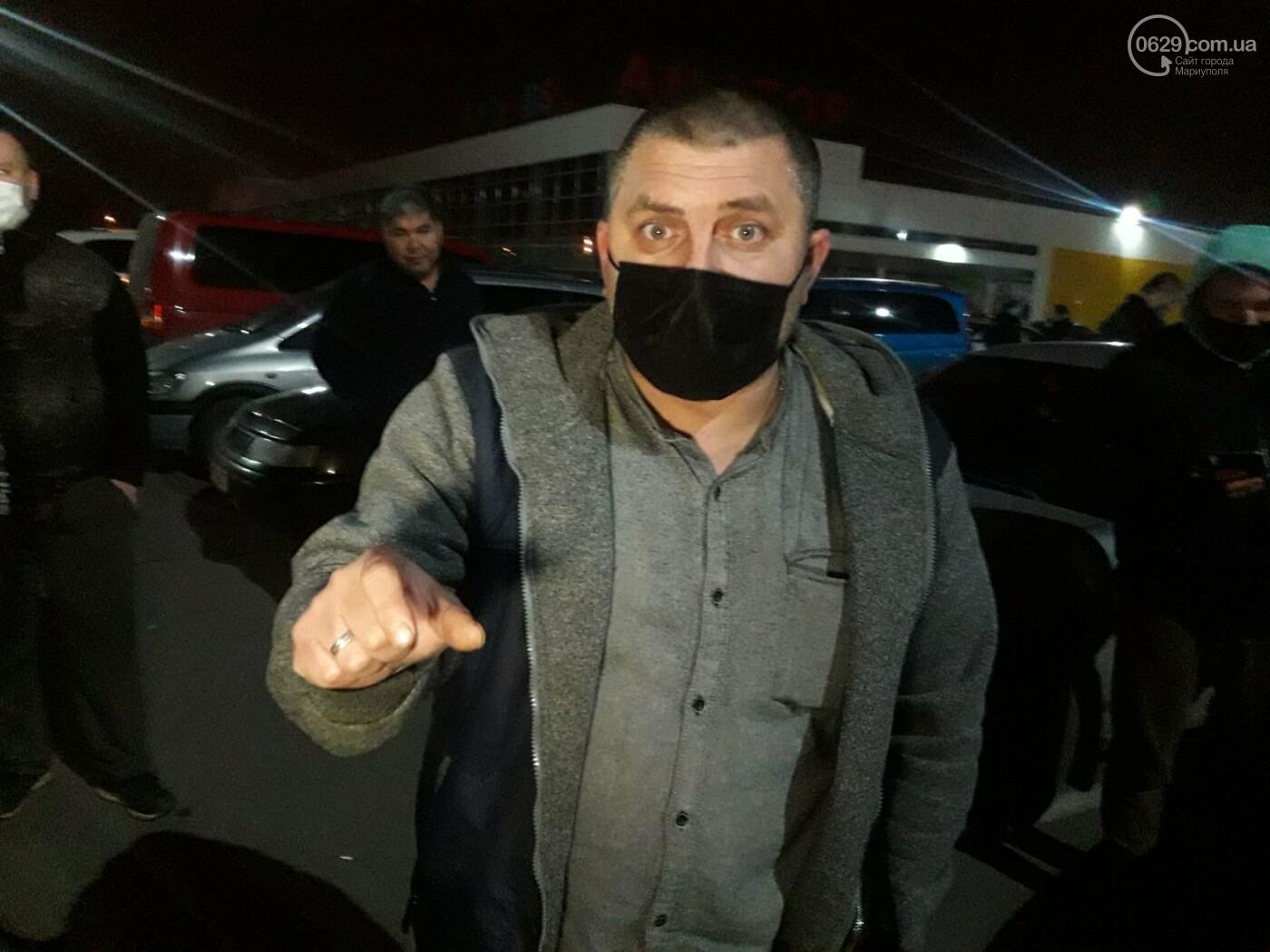 Нужно повысить тариф! В Мариуполе ночью митингуют таксисты, - ФОТО, фото-6
