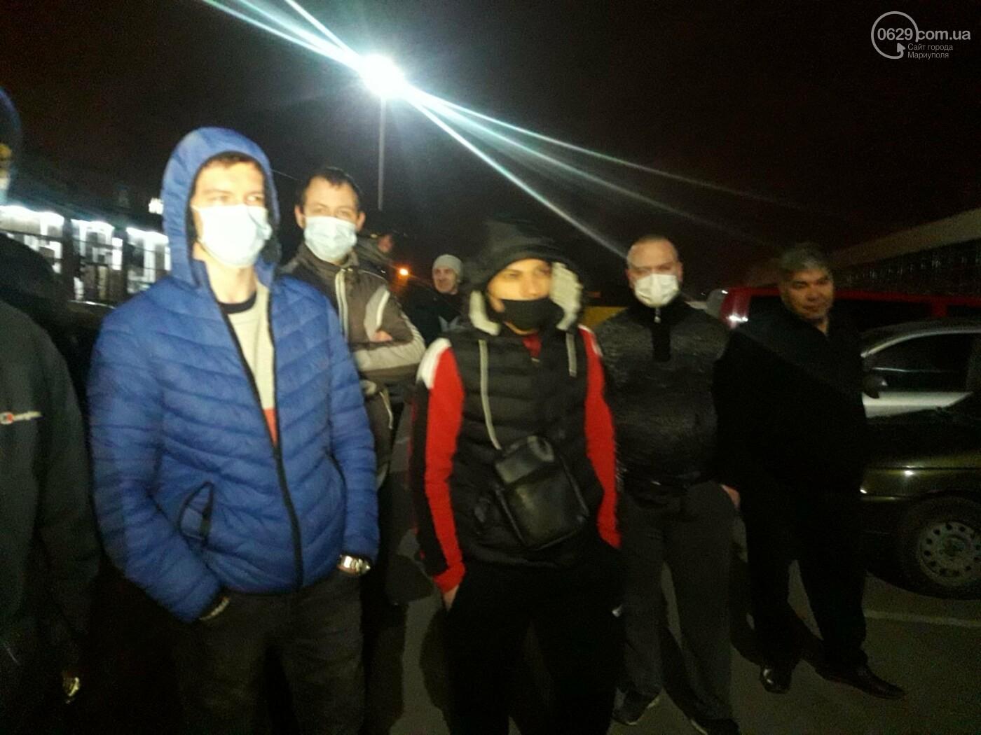 Нужно повысить тариф! В Мариуполе ночью митингуют таксисты, - ФОТО, фото-5