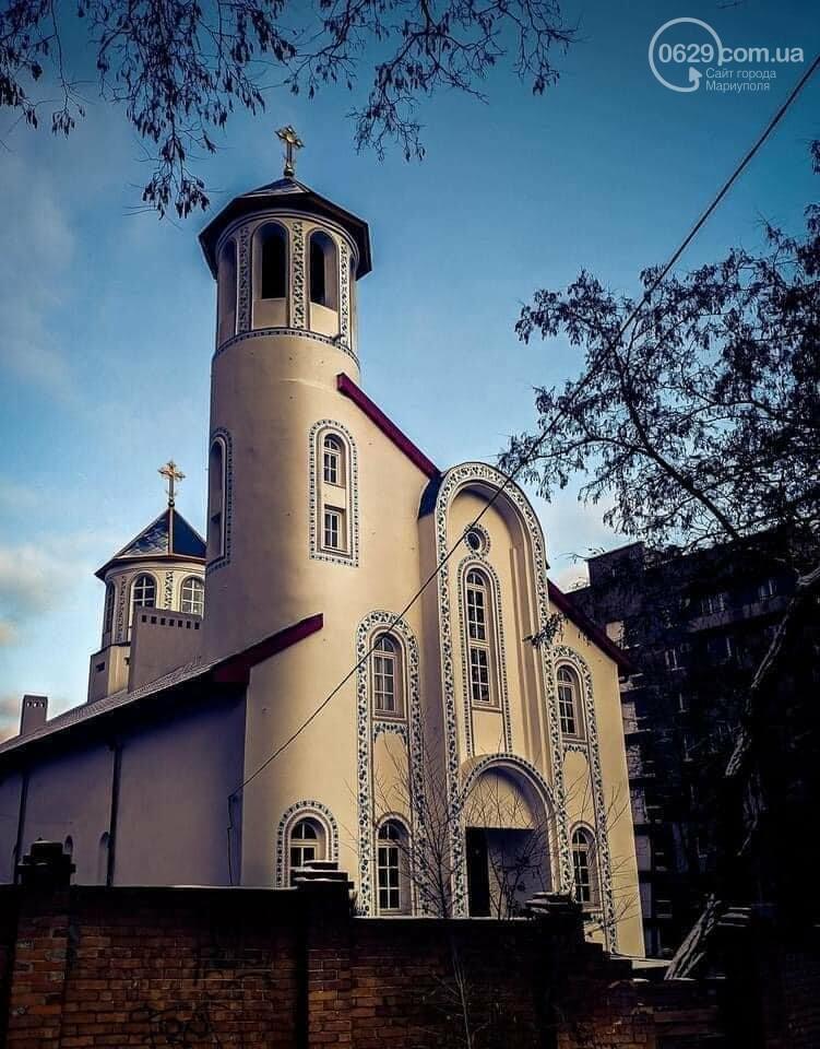 Непроста церква. Як маріупольці перетворюють храм в культурний центр власними руками, - ФОТОРЕПОРТАЖ, фото-1
