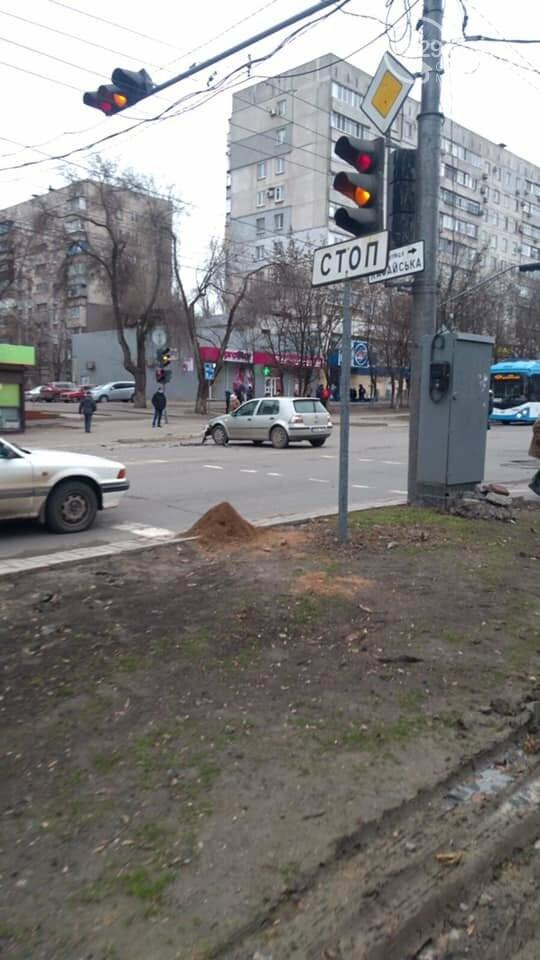 В Мариуполе произошло сразу две аварии на проспекте Металлургов, - ФОТО, фото-2