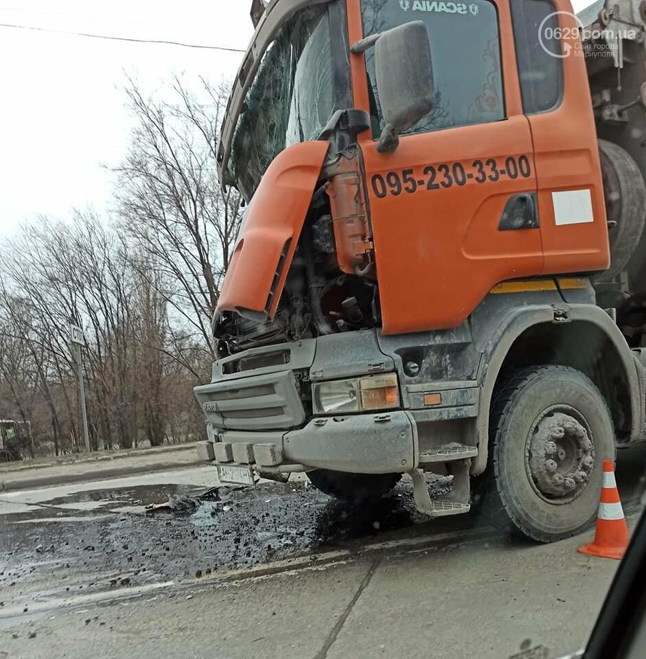 На выезде из Мариуполя  в аварию попали  два длинномера, - ФОТО, фото-2