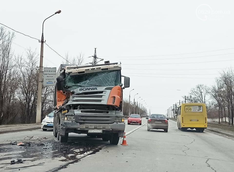 На выезде из Мариуполя  в аварию попали  два длинномера, - ФОТО, фото-3