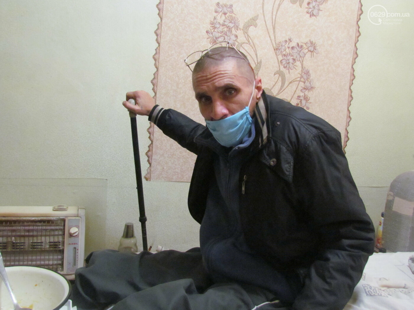 """""""Как выжить?"""" Больной туберкулезом мариуполец живет в разваливающемся доме, - ФОТО , фото-1"""