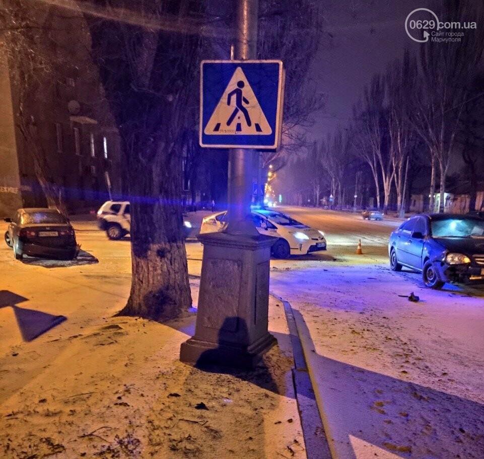В Мариуполе на заснеженной дороге столкнулись Honda и Chevrolet, - ФОТО, фото-2
