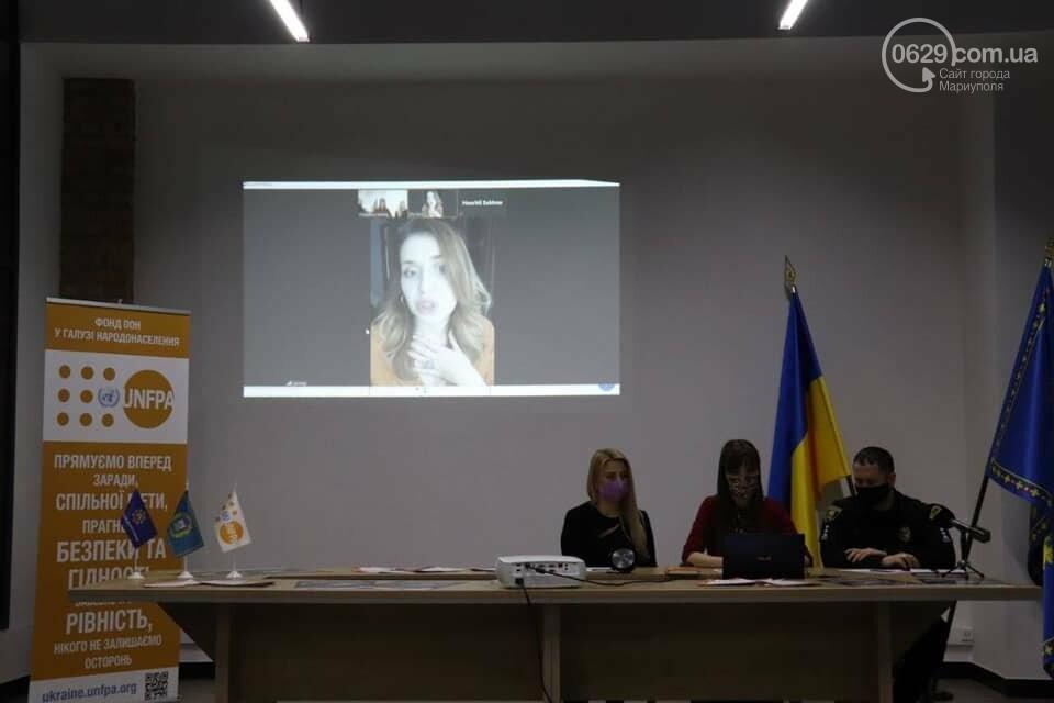 В Мариуполе жертва насилия рассказала свою историю в прямом эфире, - ФОТО, фото-1