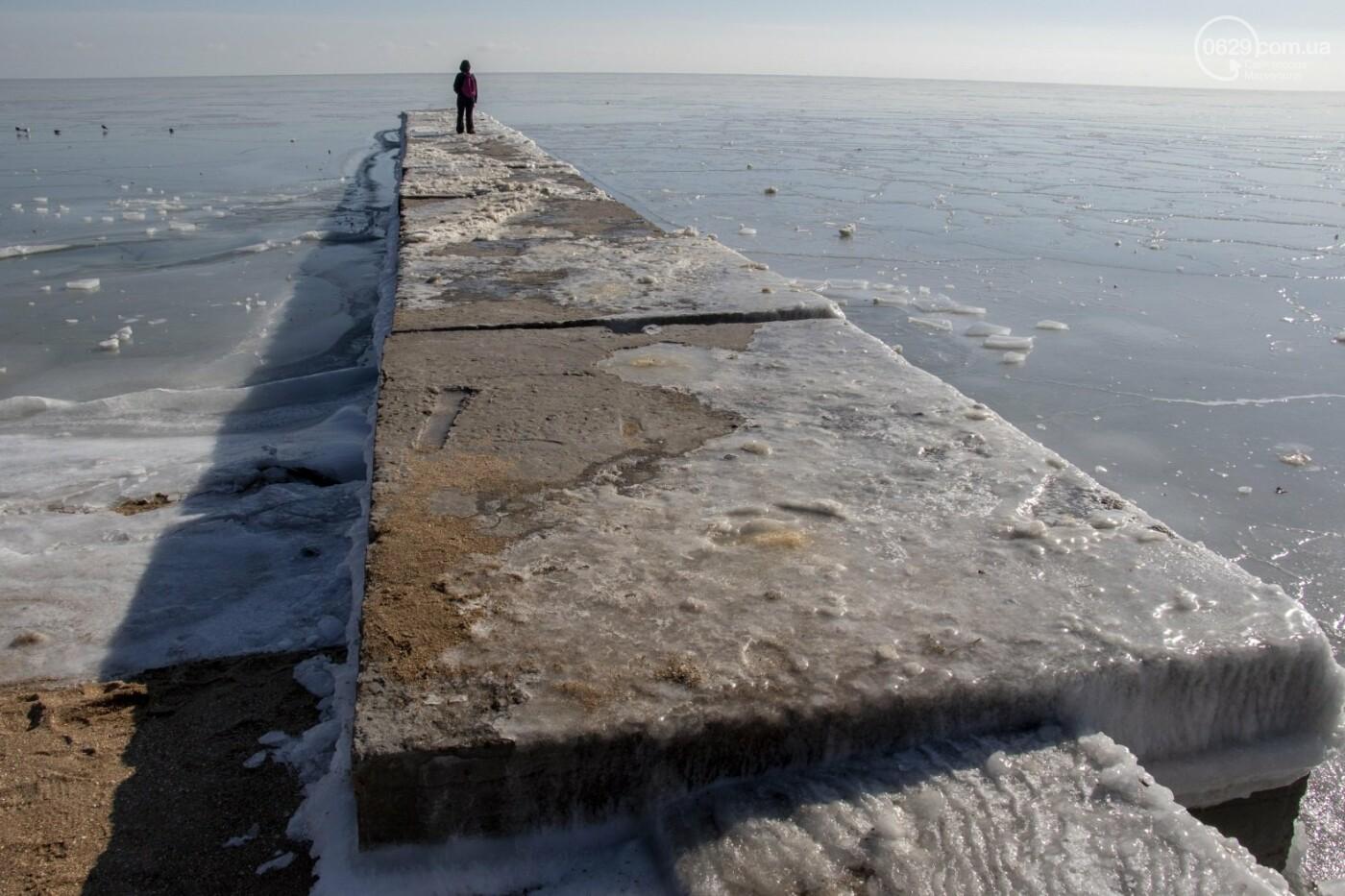 Встать в центр моря и не утонуть. 20 фотографий зимнего Азова в Мариуполе, - ФОТОРЕПОРТАЖ, фото-18