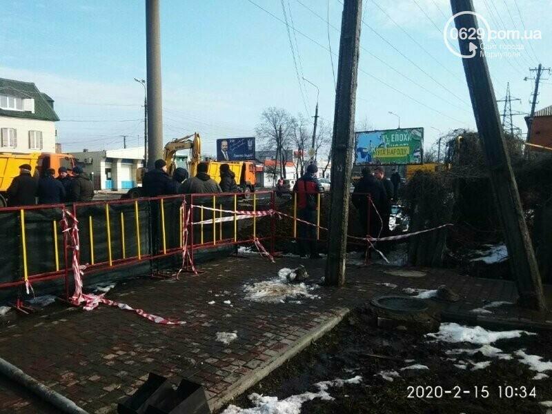 Регулярно раз в год. В Мариуполе на Митрополитской снова масштабная авария на канализационном коллекторе, фото-3