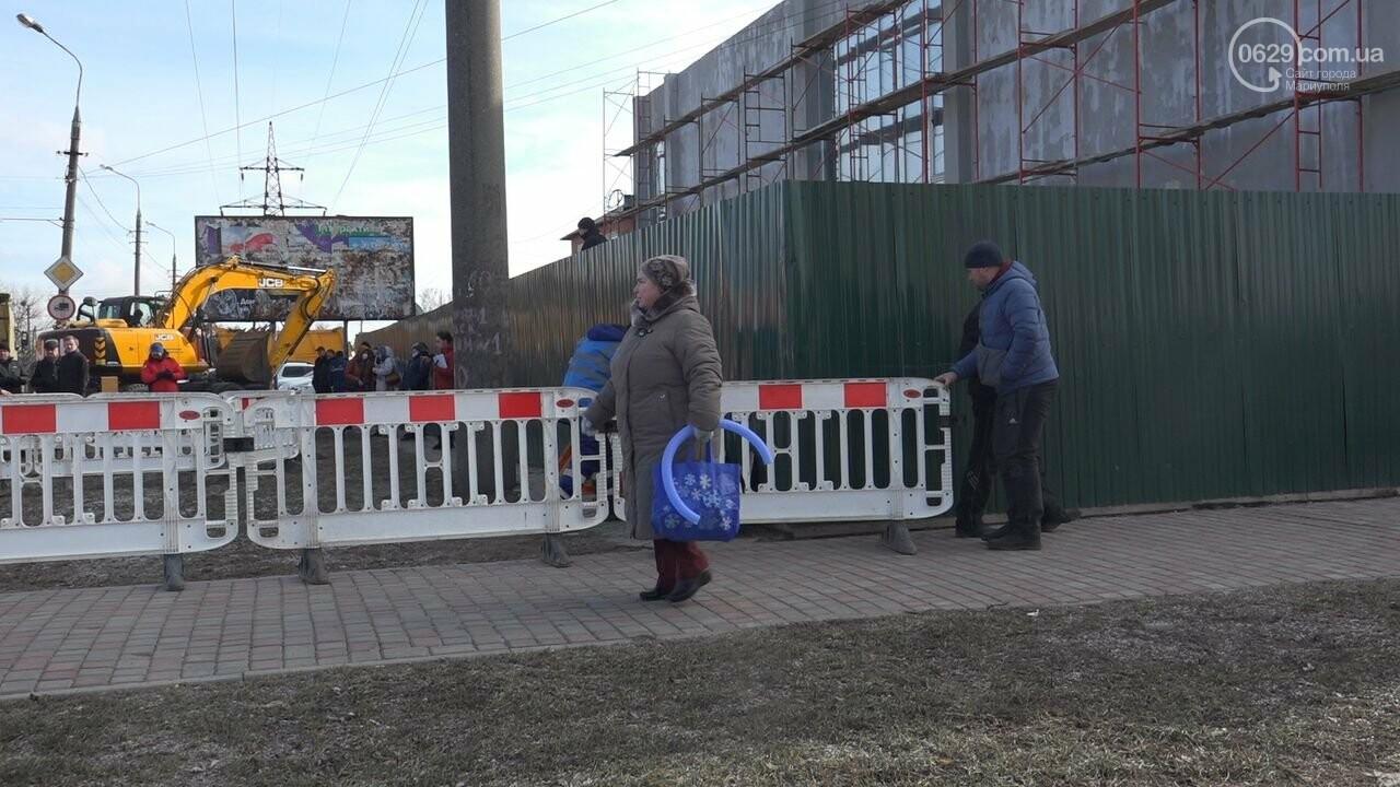 Регулярно раз в год. В Мариуполе на Митрополитской снова масштабная авария на канализационном коллекторе, фото-11