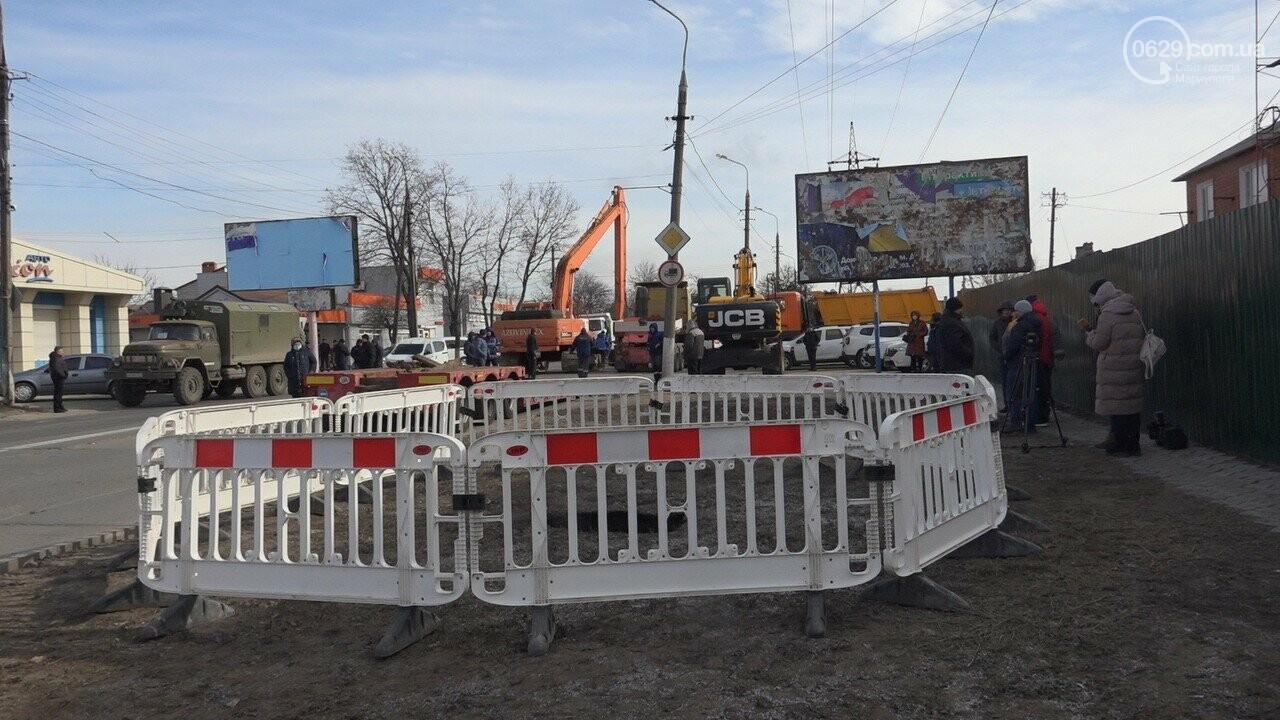 Регулярно раз в год. В Мариуполе на Митрополитской снова масштабная авария на канализационном коллекторе, фото-12