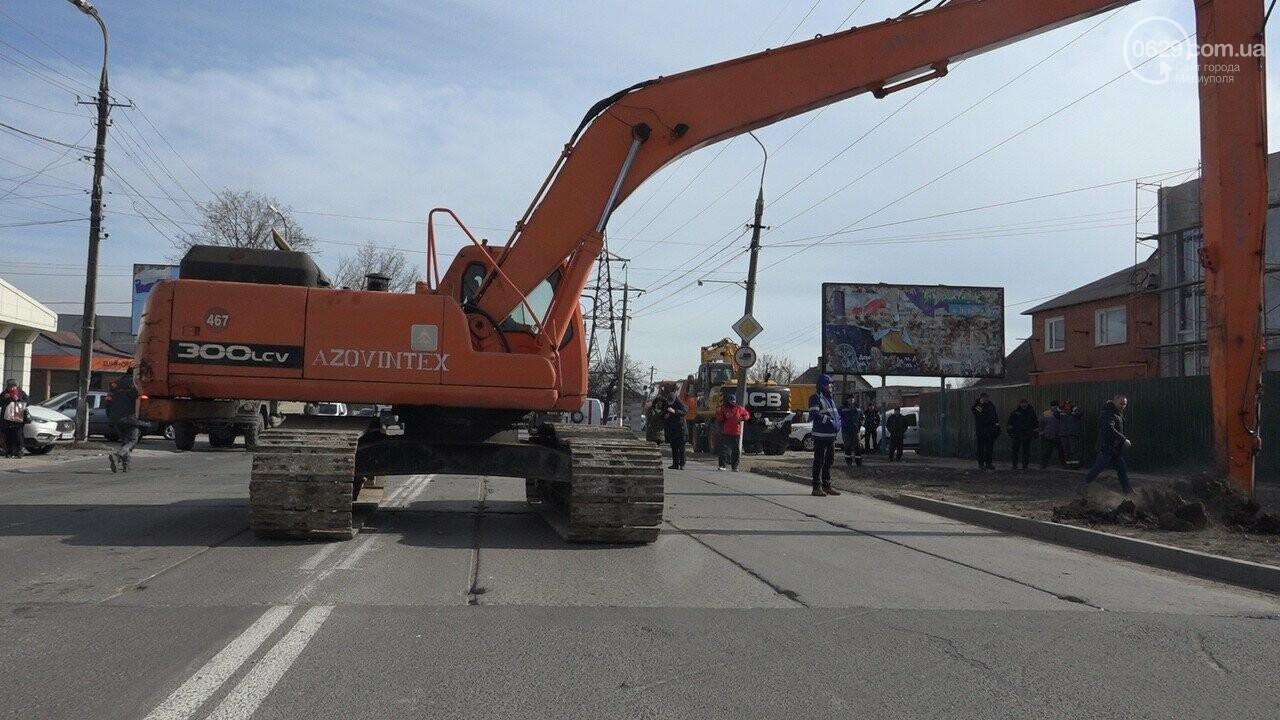 Регулярно раз в год. В Мариуполе на Митрополитской снова масштабная авария на канализационном коллекторе, фото-18