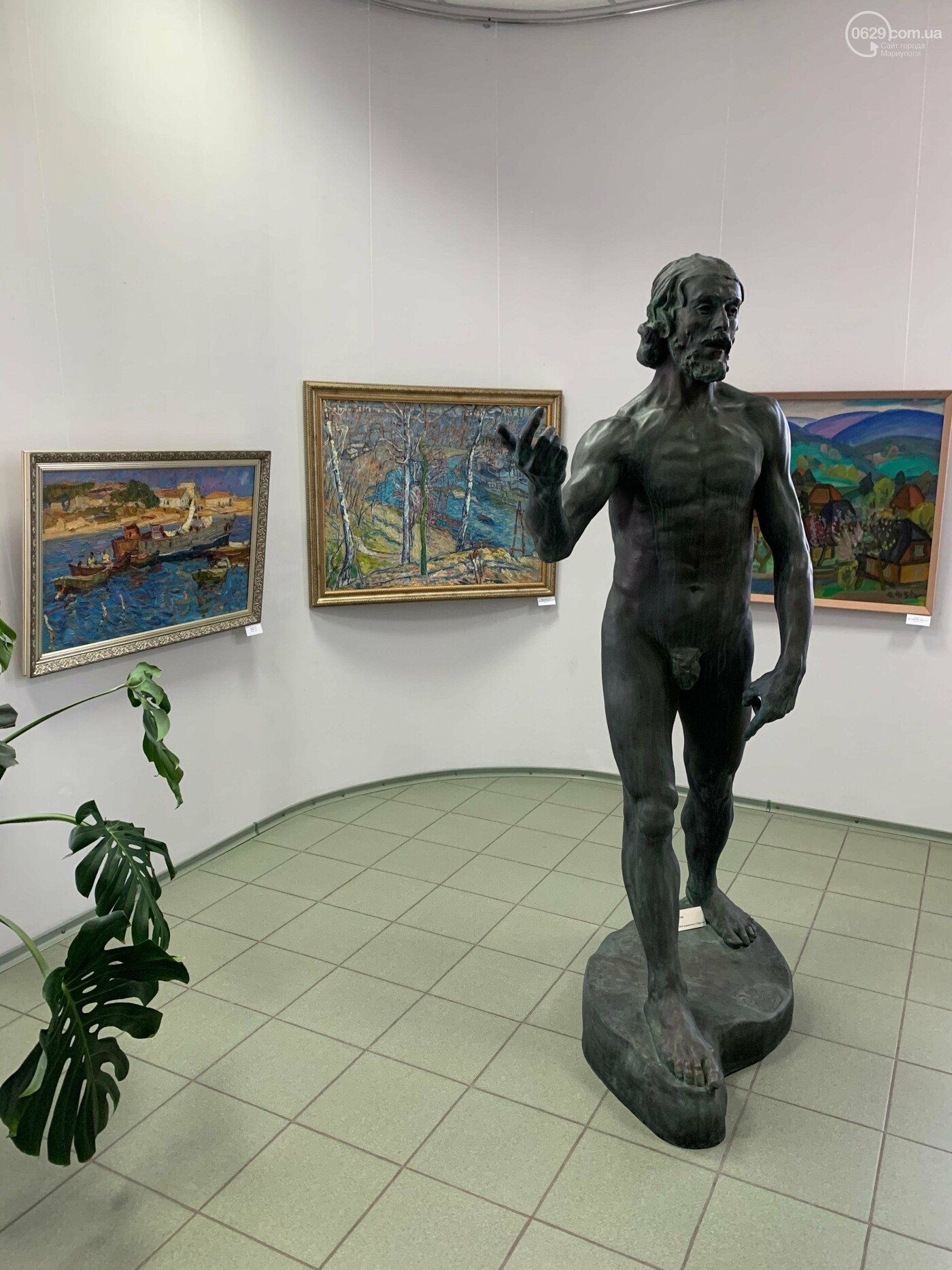 Гості з минулого. В Маріуполі відтворили виставку 1973 року, зібрав 60 шедеврів живопису - ФОТОРЕПОРТАЖ, фото-10
