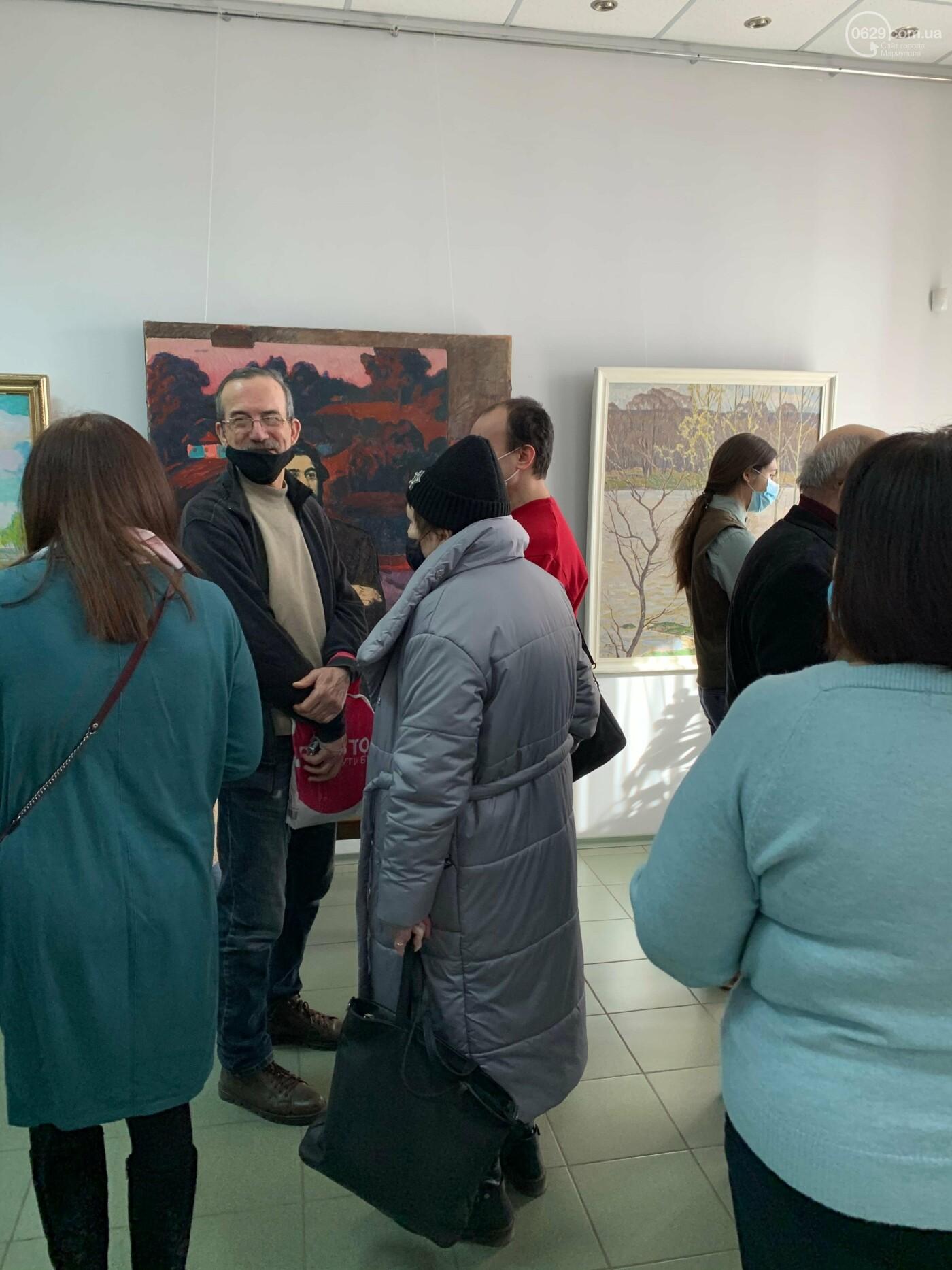 Гості з минулого. В Маріуполі відтворили виставку 1973 року, зібрав 60 шедеврів живопису - ФОТОРЕПОРТАЖ, фото-8