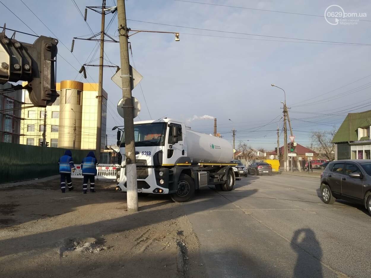 Проезд открыт! В Мариуполе завершился ремонт канализационного коллектора, фото-2