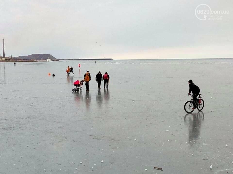 Мариупольцы выезжают на лед на коньках, велосипедах и даже с колясками,- ФОТО, фото-3