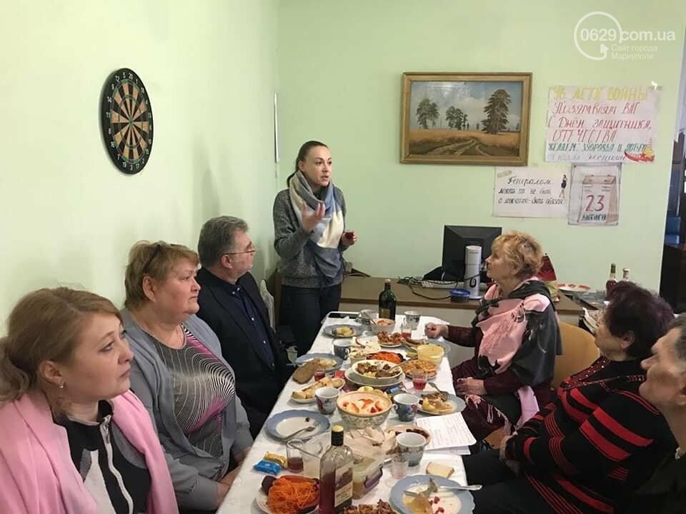 """В  Мариуполе  пенсионеры в """"папахах"""" встретили 23 февраля,- ФОТО, фото-3"""
