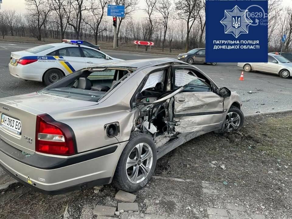 В Мариуполе на улице Флотской автомобиль медиков столкнулся с легковушкой, - ФОТО, фото-4
