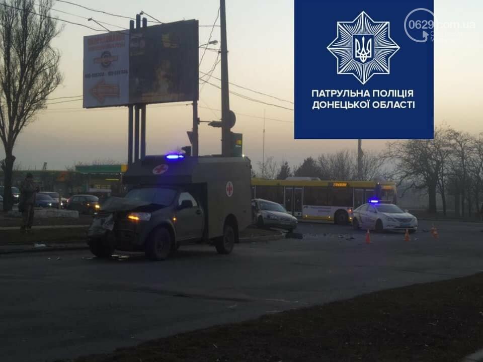 В Мариуполе на улице Флотской автомобиль медиков столкнулся с легковушкой, - ФОТО, фото-5