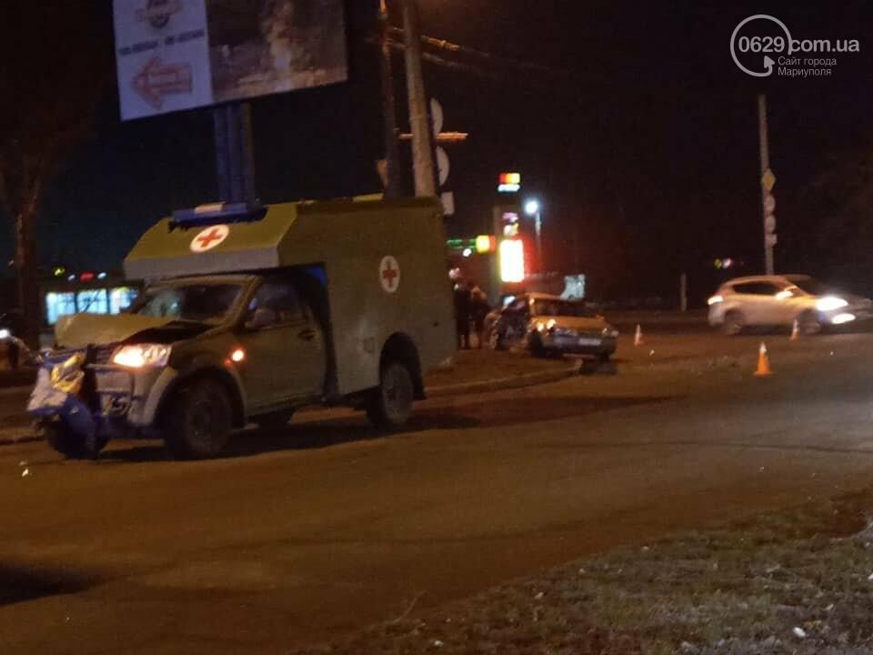 В Мариуполе на улице Флотской автомобиль медиков столкнулся с легковушкой, - ФОТО, фото-3