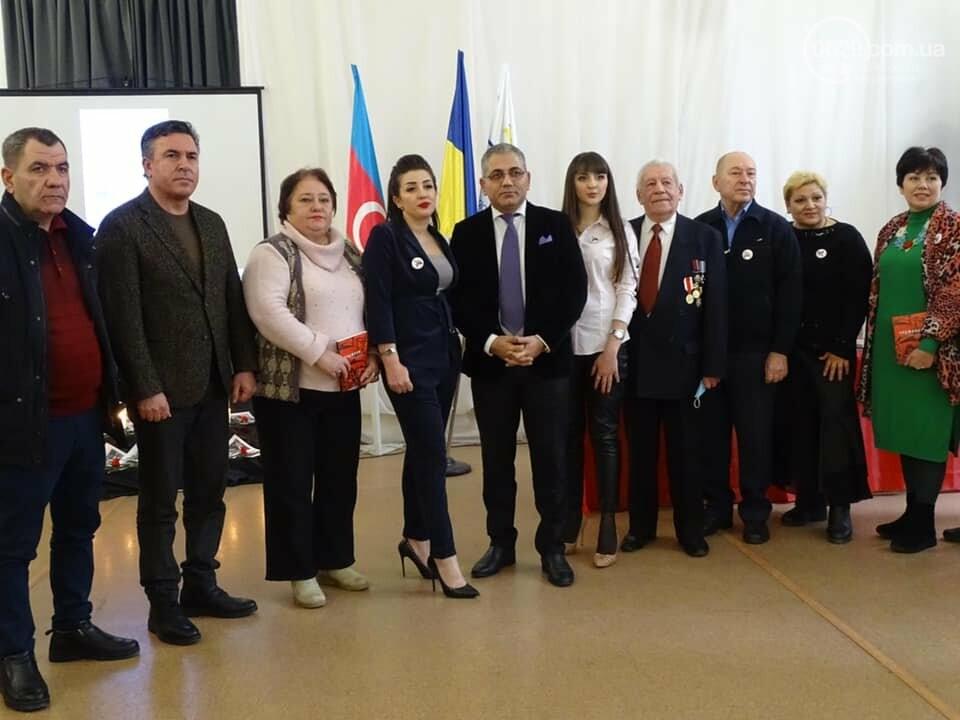 В Мариуполе азербайджанская община почтила память жертв Ходжалинской трагедии, - ФОТО, фото-10