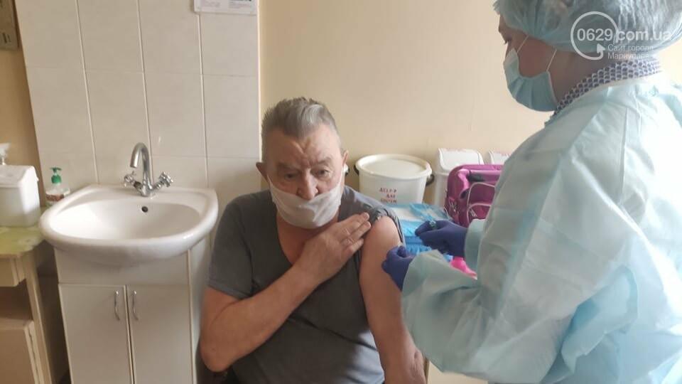 В Мариуполе привился от коронавируса первый пациент в возрасте 81 года. Как это было, - ФОТО, фото-2