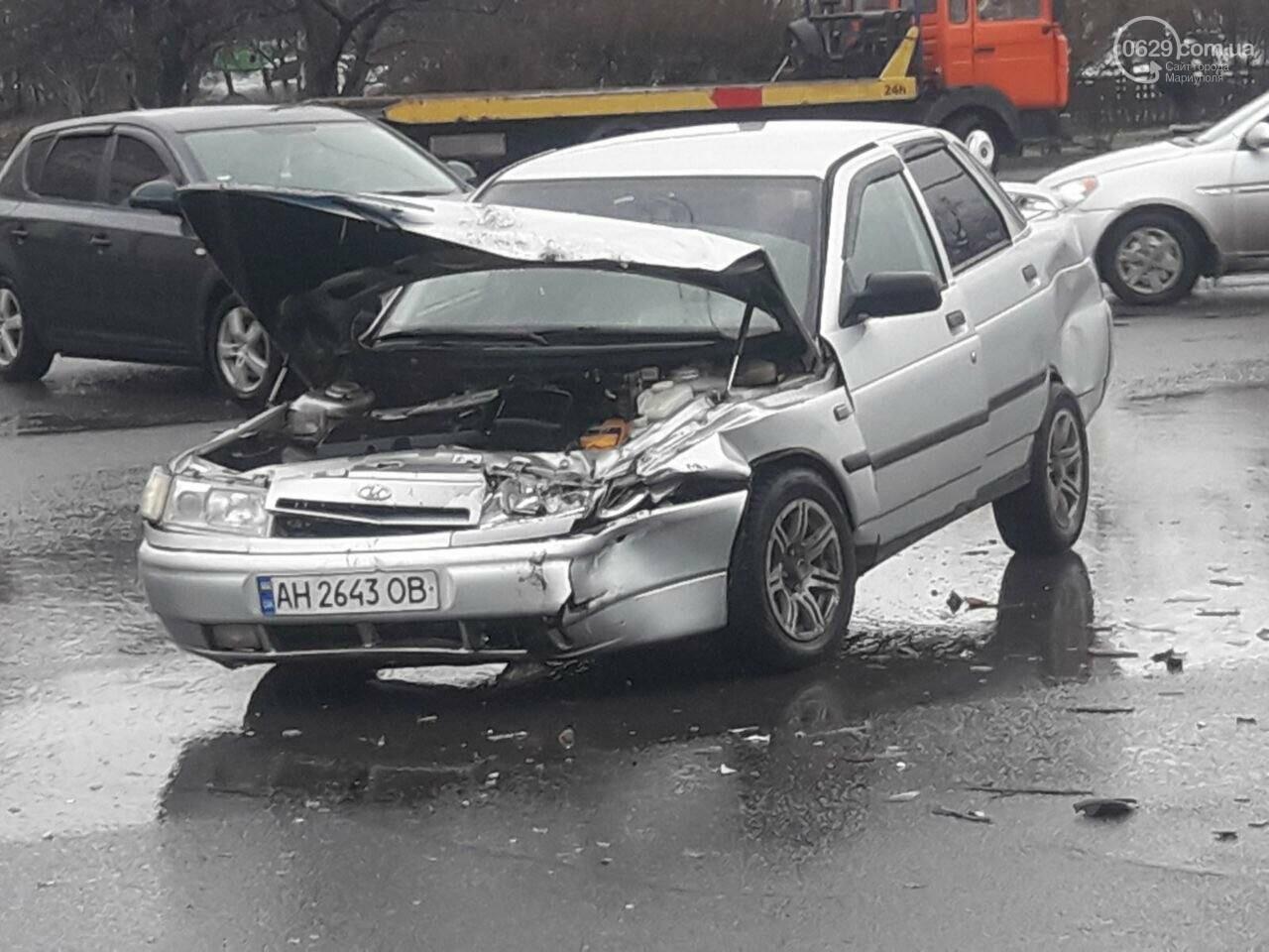 """В Мариуполе под дождем столкнулись """"десятка"""" и """"Джили"""", - ФОТО, фото-2"""