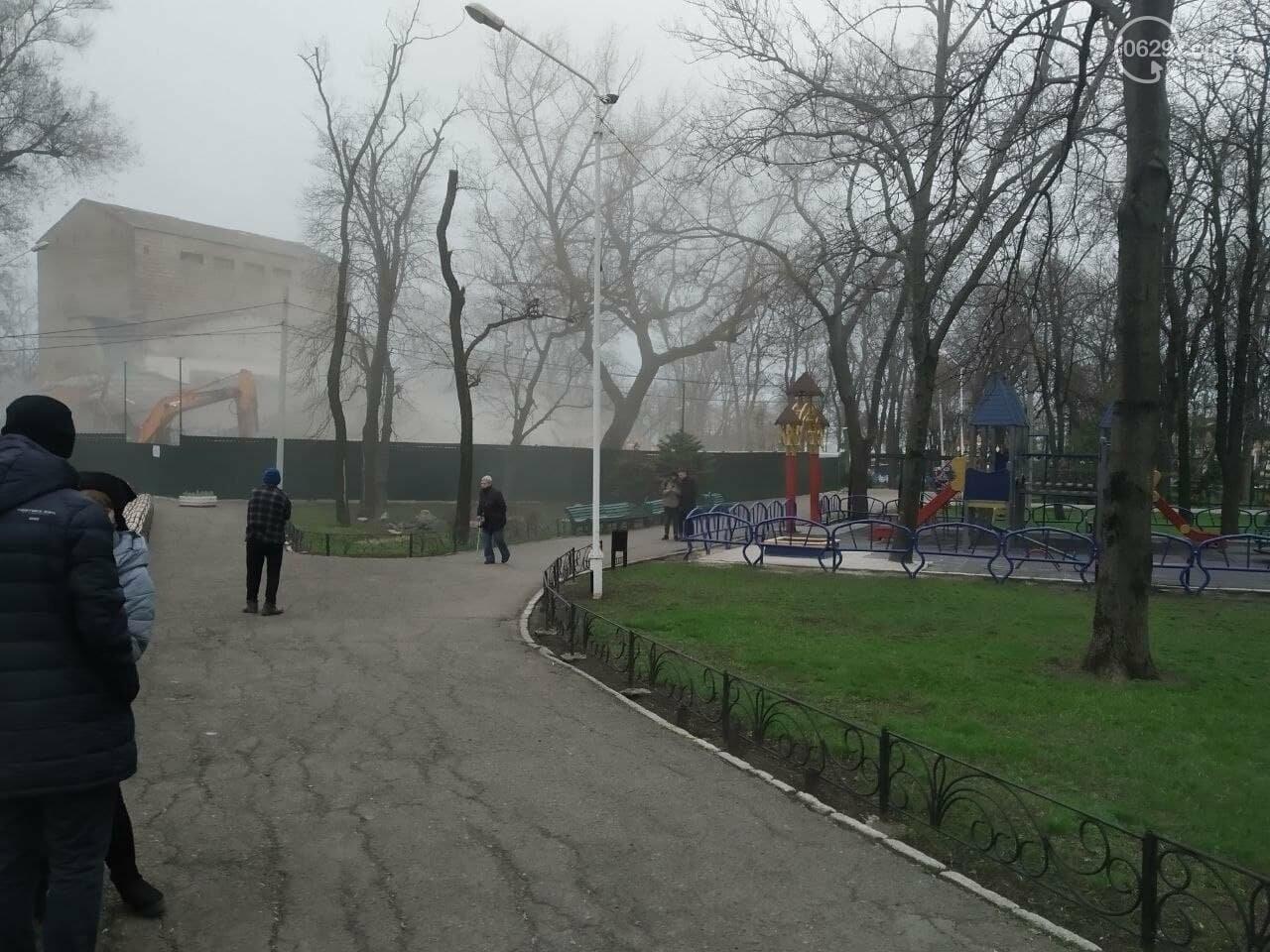 Летний театр в Городском саду – разрушен. Метинвест поспешил разделаться со зданием, - ФОТО, ВИДЕО, фото-8